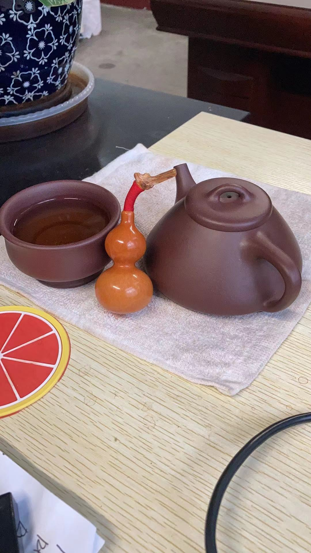 悠然饮茶客