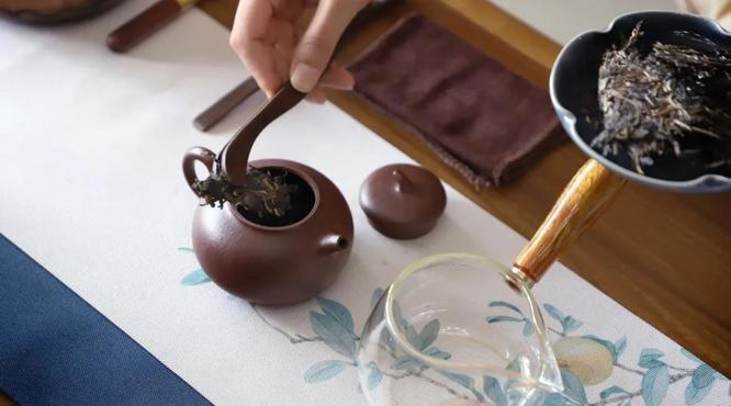 紫砂壶为什么最适合冲泡普洱茶