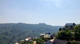 南糯山迷宫般的石头老寨和藏于山谷的茶园