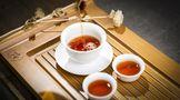 一口饱满浓厚的茶汤中,沉淀的是六山的匠心与初心!
