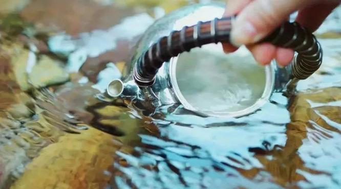 普洱茶最喜欢的水质是什么?