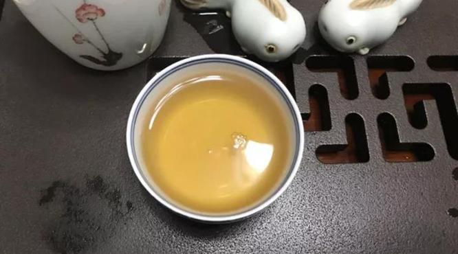2002年7542(红大益)开汤品鉴