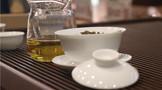 挑选比例合适的盖碗冲泡一杯好茶